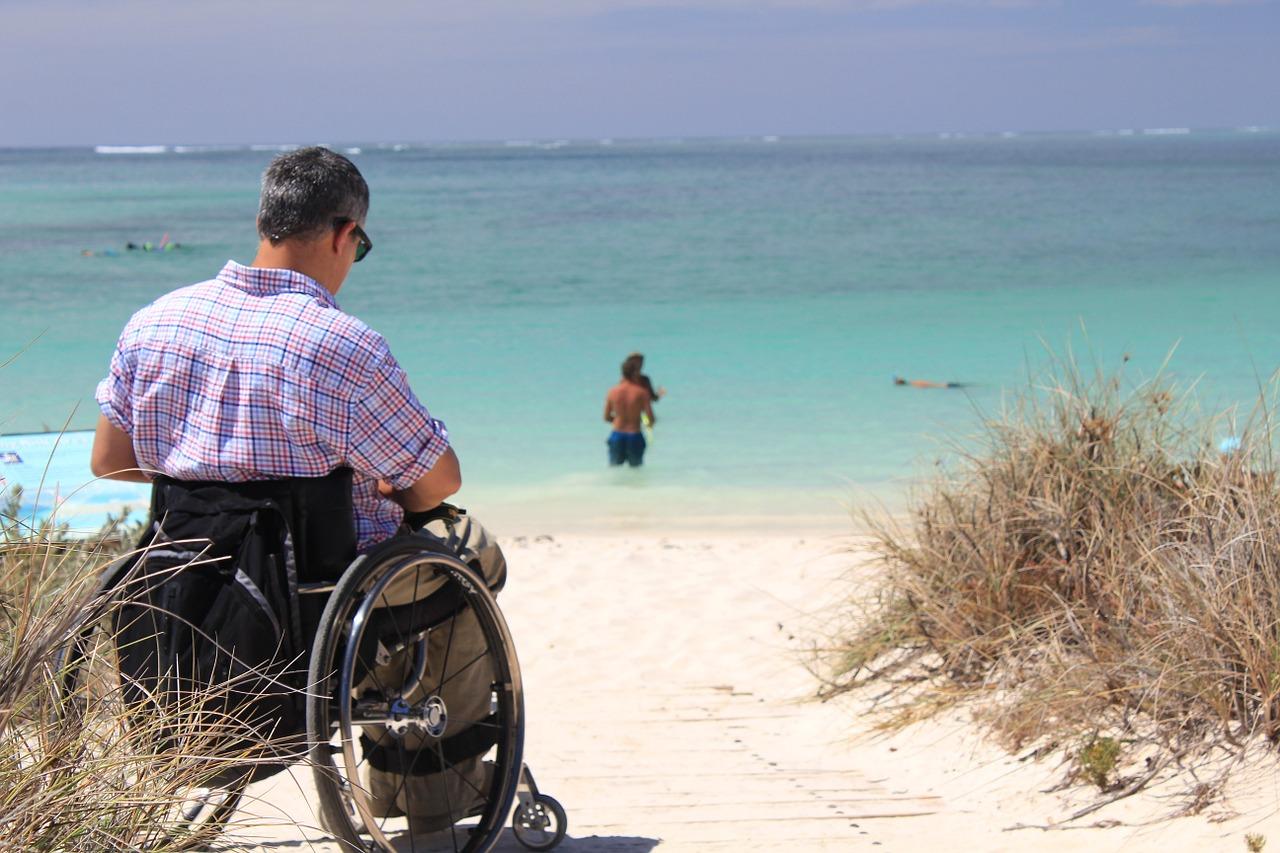 「共生型サービス」の開始で見込まれる障害福祉・介護業界への影響