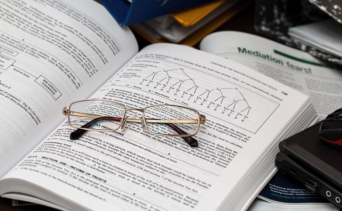 とっつきにくいが、情報の宝庫。「有価証券報告書」を読みこなしてビジネス情報を入手しよう