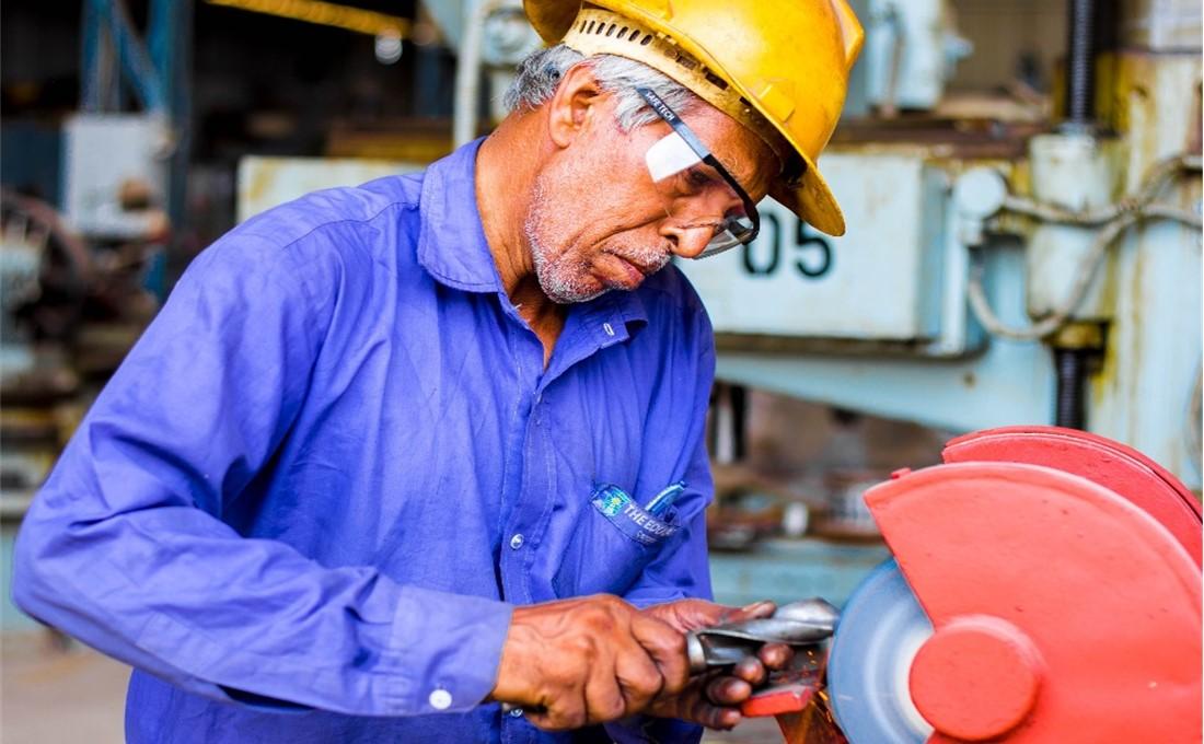 高齢社員の労災対策は万全ですか?