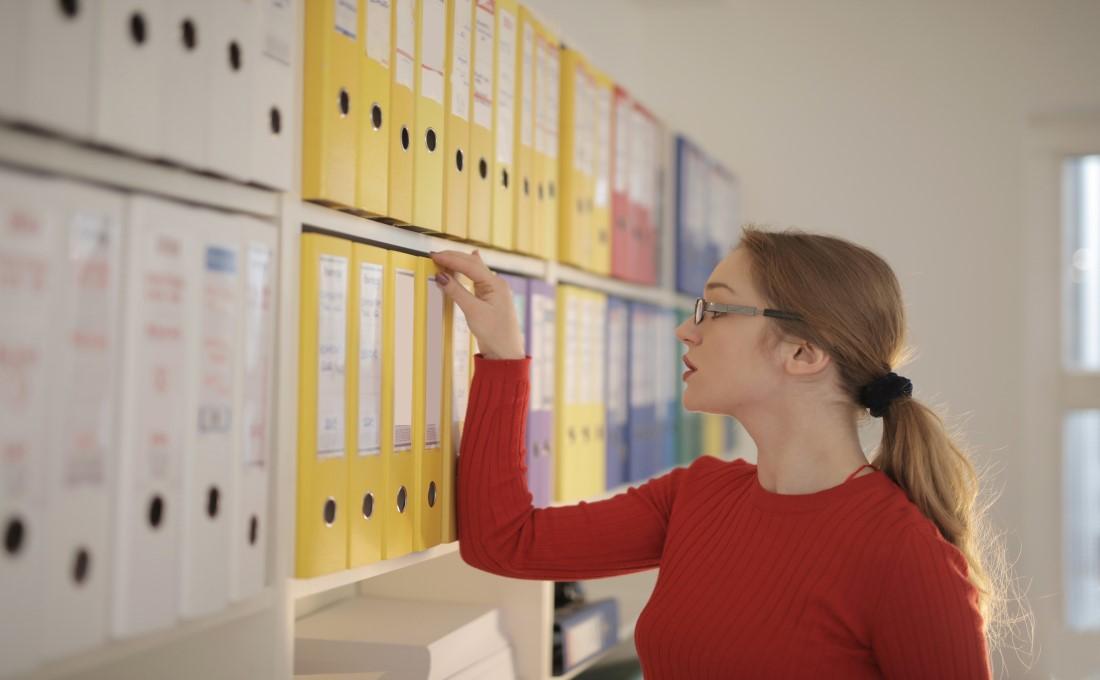 ペーパーレス化の判断に便利! データ化できる書類、できない書類