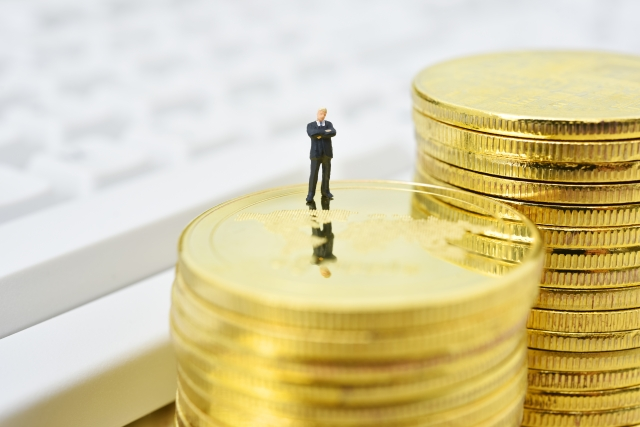 オーナー企業必読。役員借入金の課題点と対処法