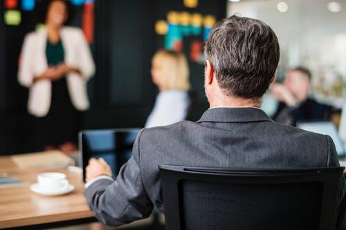 けがや病気で、経営者が働けなくなるリスクに備える。経営者327人のアンケートから見える実態と具体策