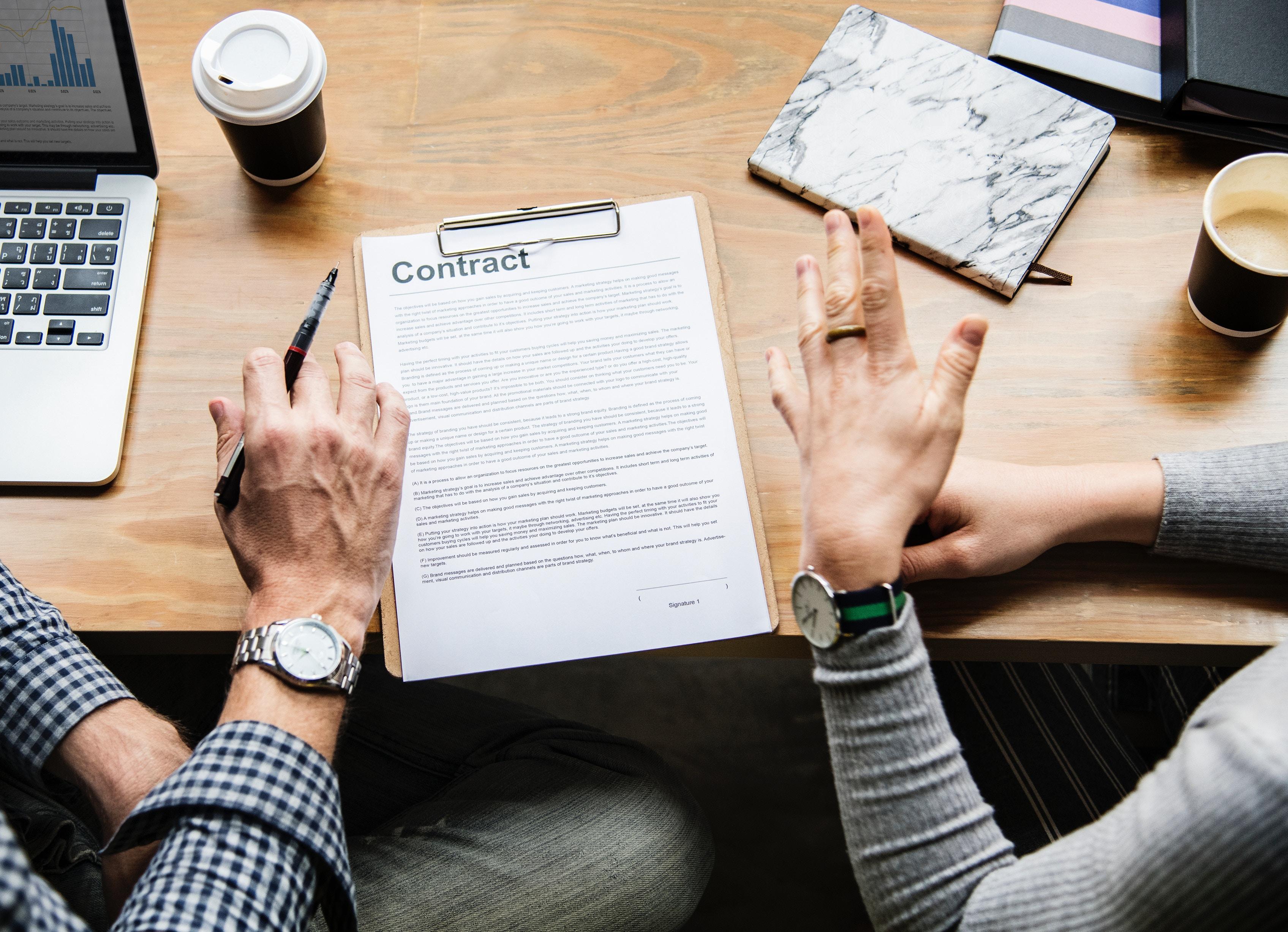 自社の不利にならない契約期間の定め方