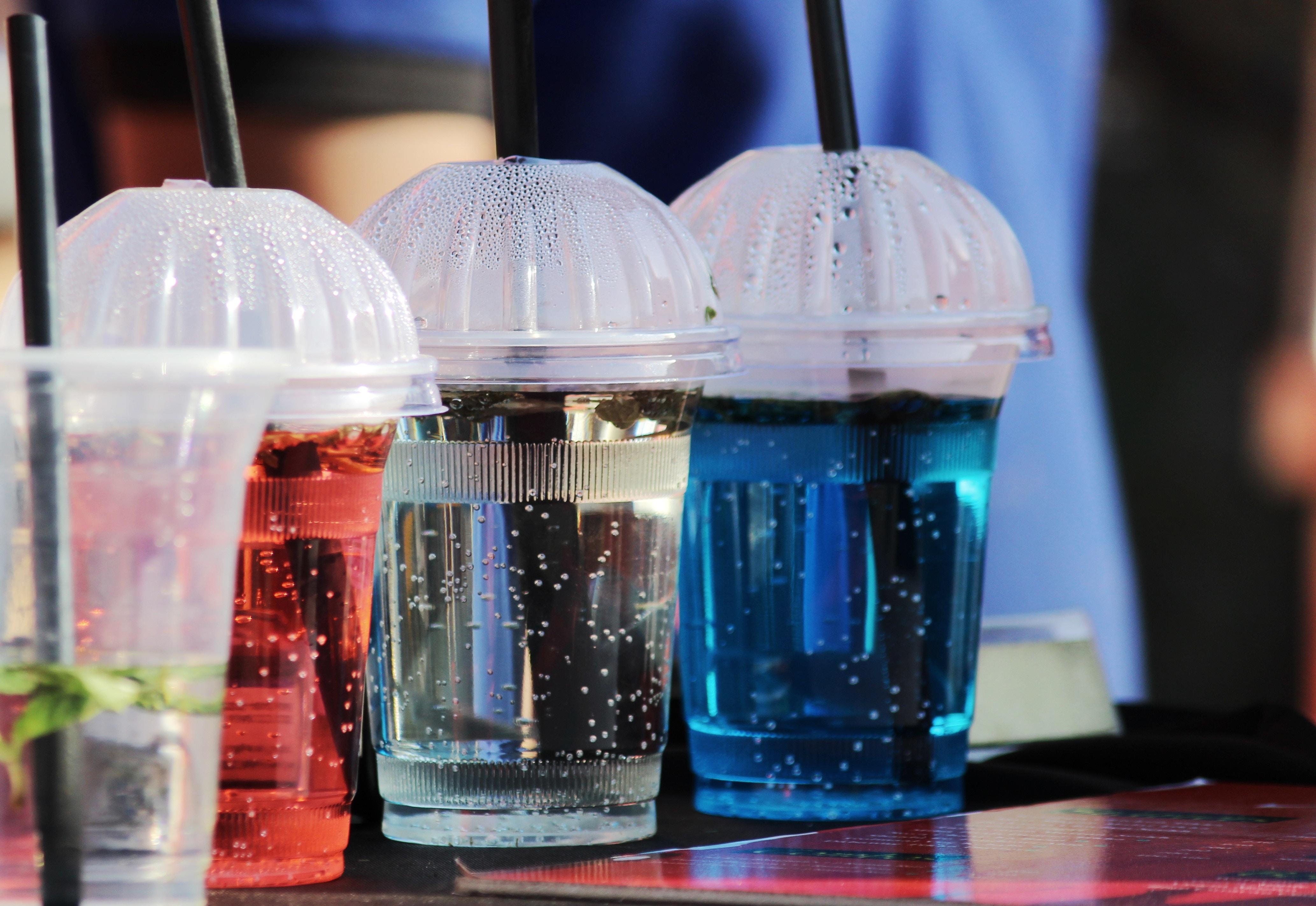 世界で拡大するプラスチック規制が商機に? 広がる代替素材